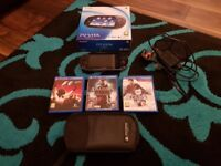 Sony PlayStation PS Vita 3G/Wi-Fi 8GB+ 3 Games FIFA 14 Assassin's Creed Formula F1 2011 + Carry Case