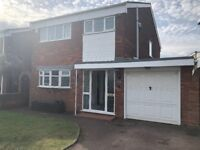 3 bedroom Property with Garage and Views of Netherton reservior