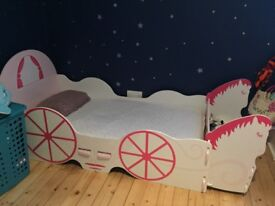 Girls bed (without mattress) good condition. 15 min build. Fit in car when taken appart