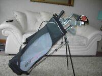 golf Peter Aliiss golf bag 9 irons putter 5drivers umberela v-good condition