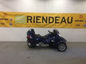 2011 Can-Am Spyder RT Audio & Convenience