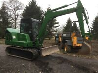 Mini Digger, 5 Tonne on Rubber Tracks, Piped for a Breaker, Low Hours