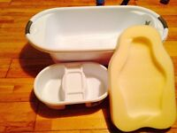 Baby bath with sponge seat and top and tail bowl