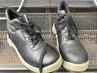 Arco size 7 work boots