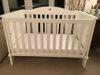Beautiful Boori 3 in 1 white wood cotbed