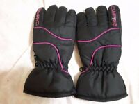 Campri Gloves (Size: M)