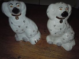 SMALL POTTERY FLOWERED AND BESWICK DOGS