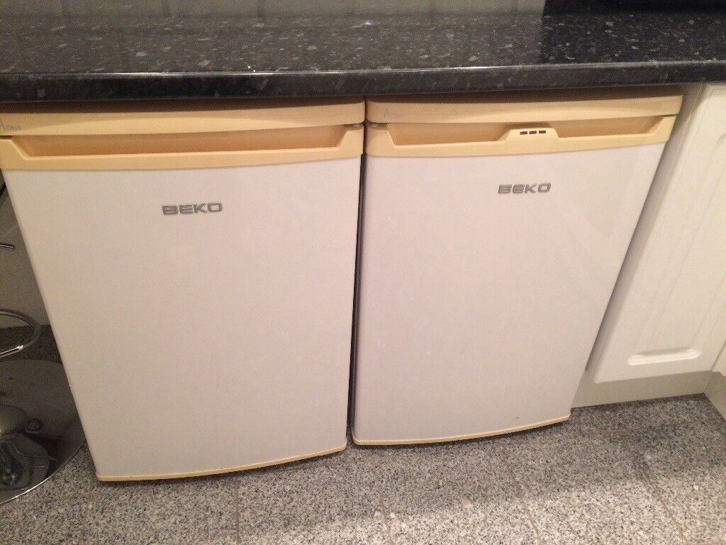 BEKO fridge and freezer selling due to a house move