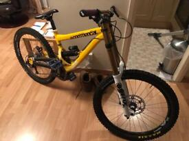 Comencal supreme 8 dh bike