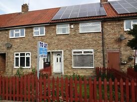 3 Bedroom house with gardens Falkland rd area