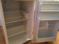 Small fridge under worktop for sale !!