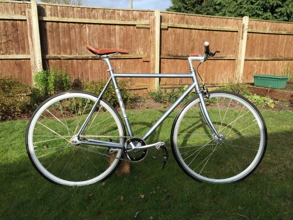 Fuji feather track bicycle 56cm sugino crank nitro barsin Ferndown, DorsetGumtree - Fuji feather/ track bicycle in grey 56 cm frame, I am 6ft 2 and this suits me. Upgraded bars to Japanese nitto bars wrapped in leather charge tape. Crank upgraded to a sugino messenger from a charge plug. Saddle upgraded to a leather charge saddle...