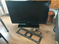 """42"""" LG faulty HD TV for repair or parts. Sale includes wall mount"""