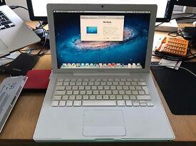 Apple Macbook 2Ghz Core 2 Duo, 2GB ram, 250GB HDD