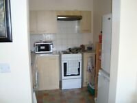 1 Bed Apartment with parking close to town centre