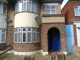 3 - BED ROOM HOUSE - 2 Sep Receptions, OFF ILFORD LANE ***£1700*** Part DHSS Considered