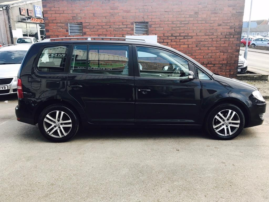 volkswagen touran 1 9 tdi se 105 5dr black 2008 in northwich cheshire gumtree. Black Bedroom Furniture Sets. Home Design Ideas