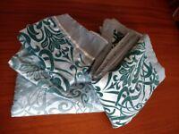 KINGSIZE Duvet cover, pillow cases and shams