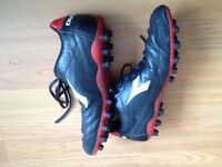 MENS BLACK & RED FOOTBALL BOOTS Size 10 from DIADORA