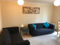 Beautiful two bedroom flat in new build with private parking at The Shore available NOW, £900 PCM.