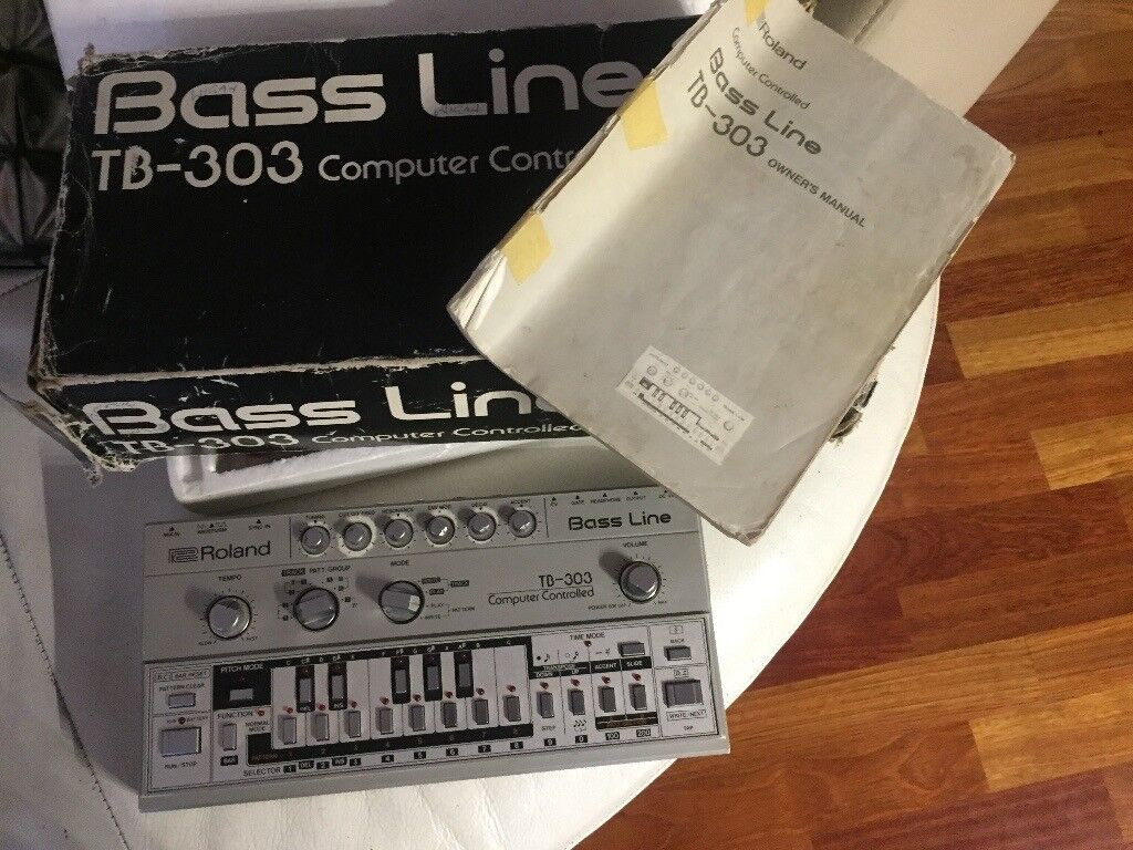 Roland TB 303 Vintage Synthesizer