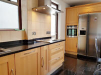 BEAUTIFUL LARGE 5 BED HOUSE IN WILLESDEN ZONE 2
