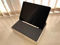 2017 iPad Pro 10.5-inch Wi-Fi Cellular 64GB Space Gray + Smart Keyboard + Apple Pencil