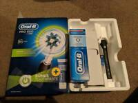 BRAND NEW Oral-B Pro 650 electric toothbrush
