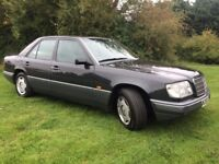 CHEAP RARE CLASSIC MERC E220 AUTO 1994 - YEARS MOT AND DRIVES EXCELLENT