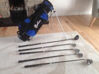 Junior golf club set and golf bag
