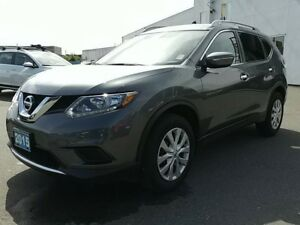2015 Nissan Rogue S FWD LOCAL ! SALE PRICED AT 18,995 !