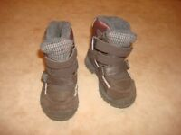 Snow boots size 7 from next