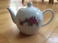 Pretty little teapot