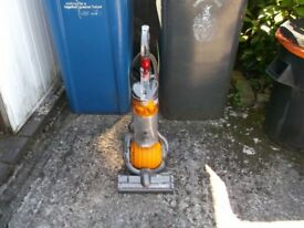 DYSON DC24 LIGHTWEIGHT BALL VACUUM CLEANER WORKING ORDER