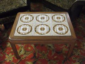 VINTAGE RETRO 70S G PLAN TEAK TILED SMALL COFFEE TABLE