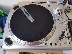 Numark TTUSB Turntable with USB Audio Interface + Dust Cover