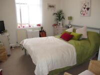 Superb spacious FOUR DOUBLE bedrooms - Letchworth Street, Tooting, London SW17