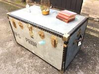 LARGE VINTAGE TRUNK CHEST FREE DELIVERY STORAGE BOX COFFEE TABLE 🇬🇧