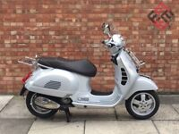 Piaggio Vespa GTS 300cc, Immaculate Condition, Only 1381 Miles!