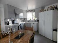 4 Bed, 3 Shower/Bath Semi Detached House for Rent, Unfurnished, Off Street Parking, Solar Panels