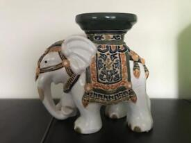 Vintage elephant stand in excellent condition