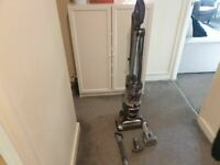 Shark Lift Away model NV340UKP 31 VERY POWERFULL, Good Condition and fully working