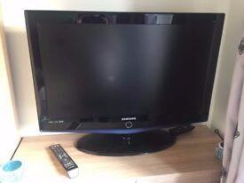 Samsung 32 Inch HD Digital Freeview LCD TV (LE32R73BDX/XEU)