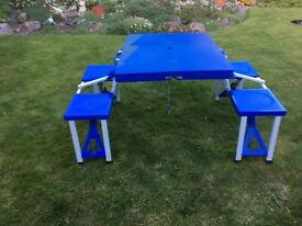 Picnic table - Foldable with chairs