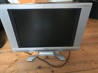 BASIC TV with integrated DVD