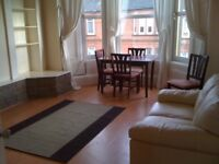 Lovely spacious 2 bed flat, central Shawlands