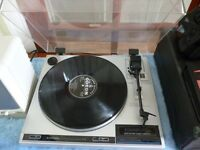 quality stereo auto return pioneer turntable,plays 33 rpm and 45 rpm records,collect stanmore,middx.