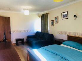 lovely room near aberdeen uni £250
