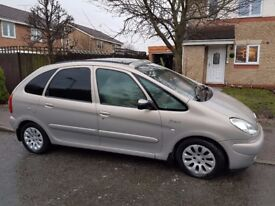Citroen Xsara Picasso Exclusive, Petrol. Needs some TLC but is a great little runner!