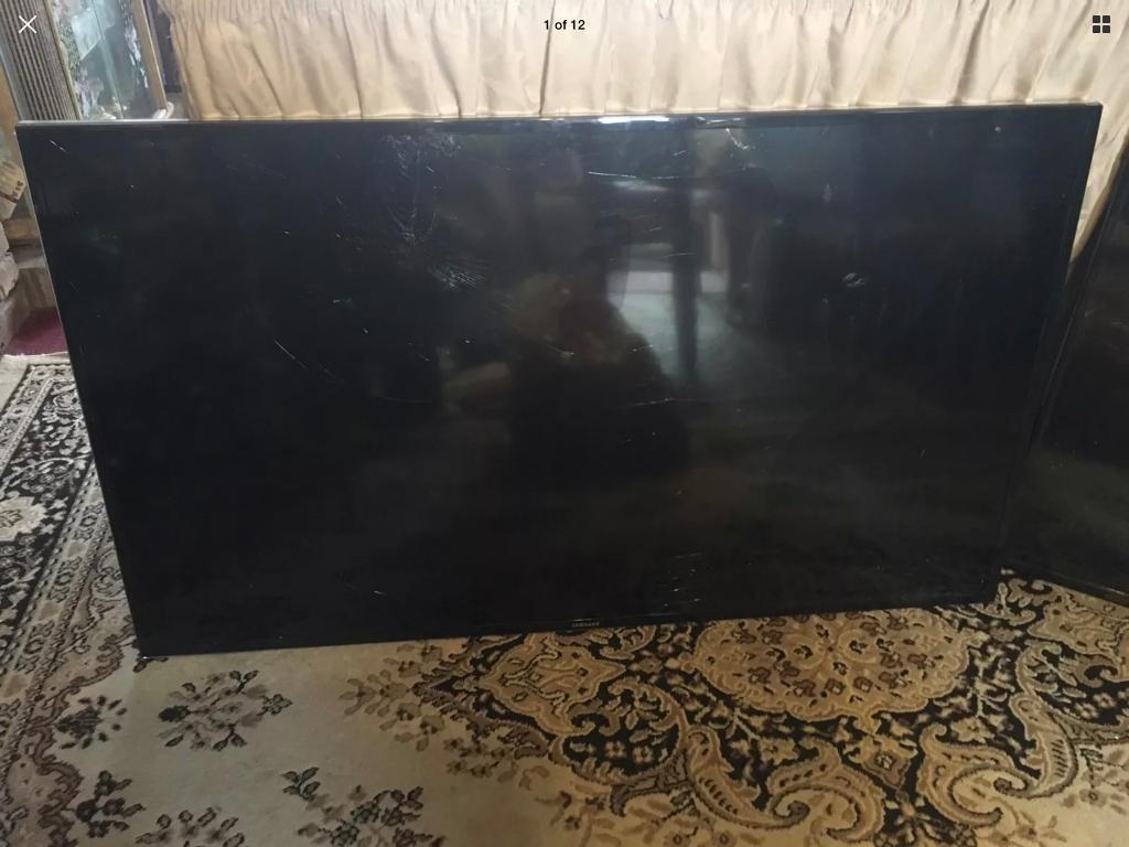 """3-TVs SAMSUNG. JVC. SEIKI All Lighting But All Screen Cracked All 55""""£40 all"""